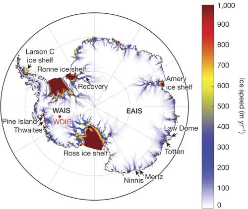 Stroomsnelheid van het ijs op Antarctica, volgens modelberekeningen van DeConto en Pollard. De zwarte lijnen geven aan tot waar het ijs op de bodem rust.